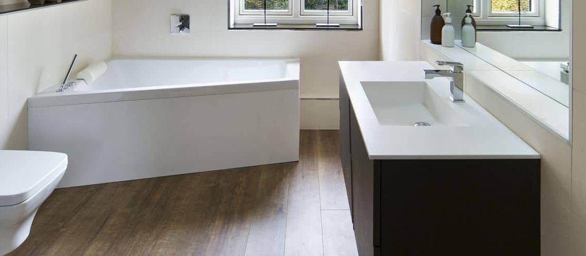 Rénovation salle de bains : quel revêtement de sol choisir ?